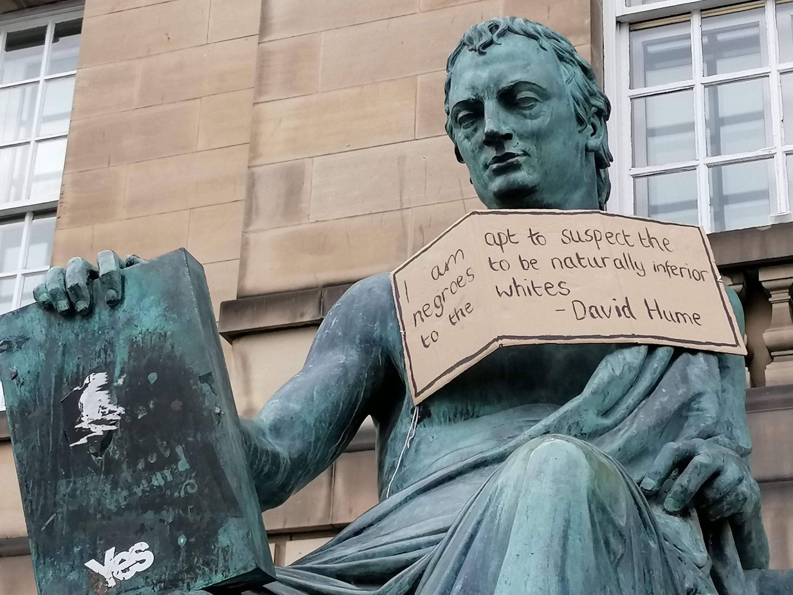 statua hume